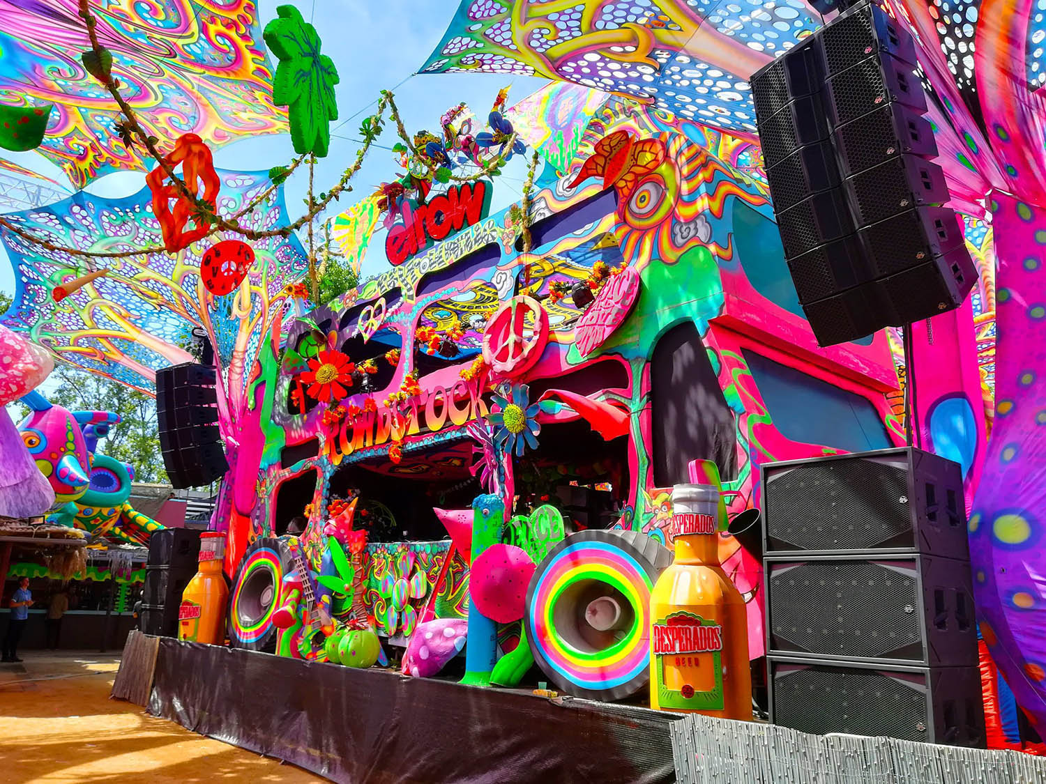 Clair Brothers  amplifica il coloratissimo Elrow Show a Barcellona